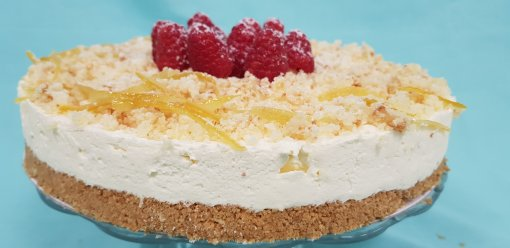 Lemon & Raspberry Drizzle Cheesecake