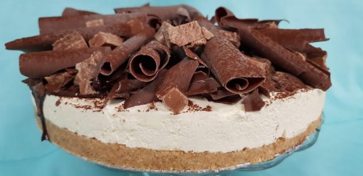 Vanilla & Milk Chocolate Fudge Cheesecake